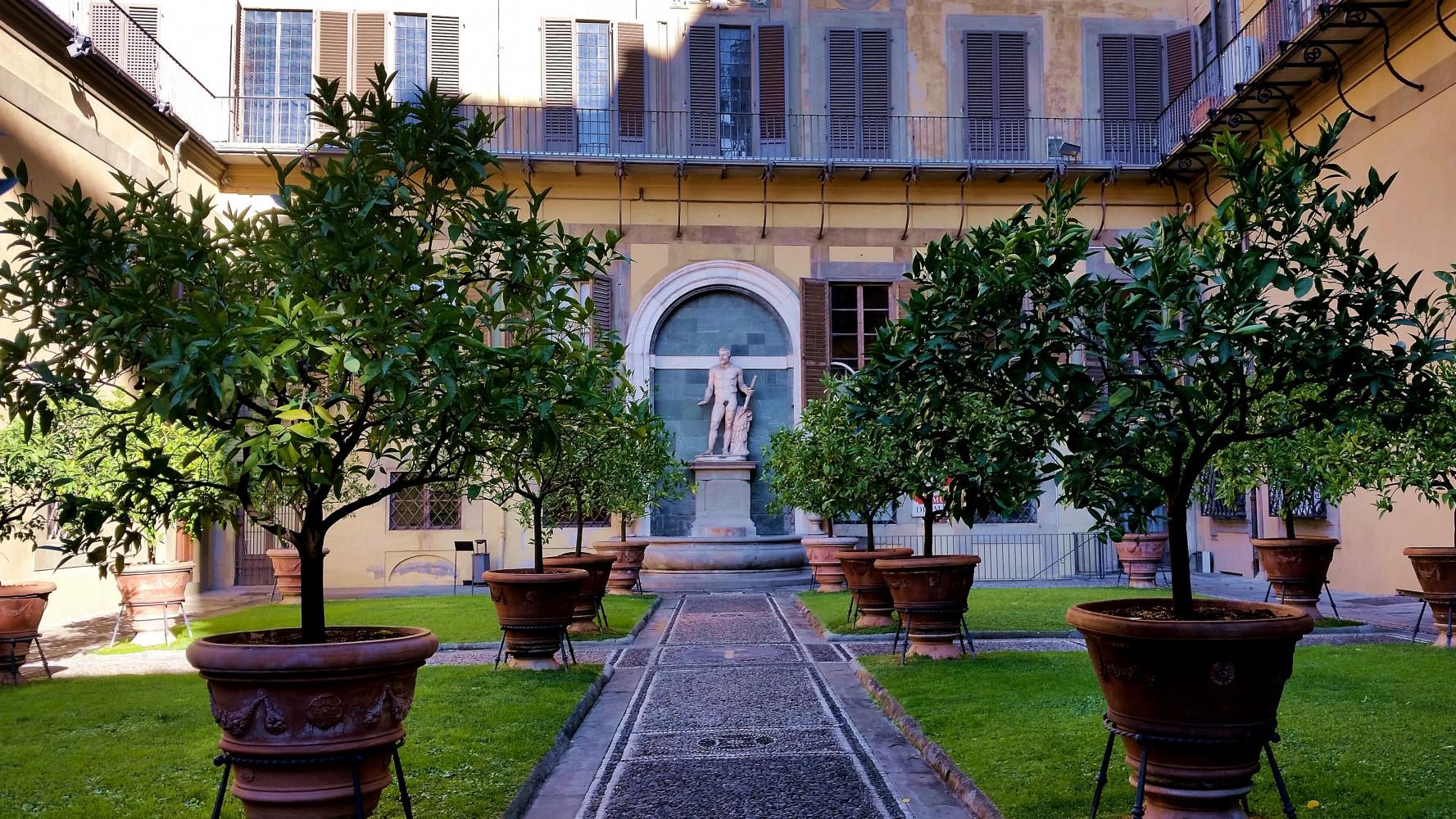 Visita guidata privata palazzo medici riccardi firenze for Piani di coperta del cortile
